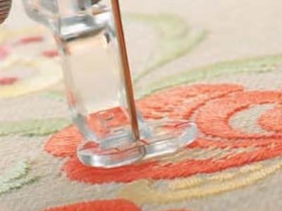 Вышивка на ткани и без